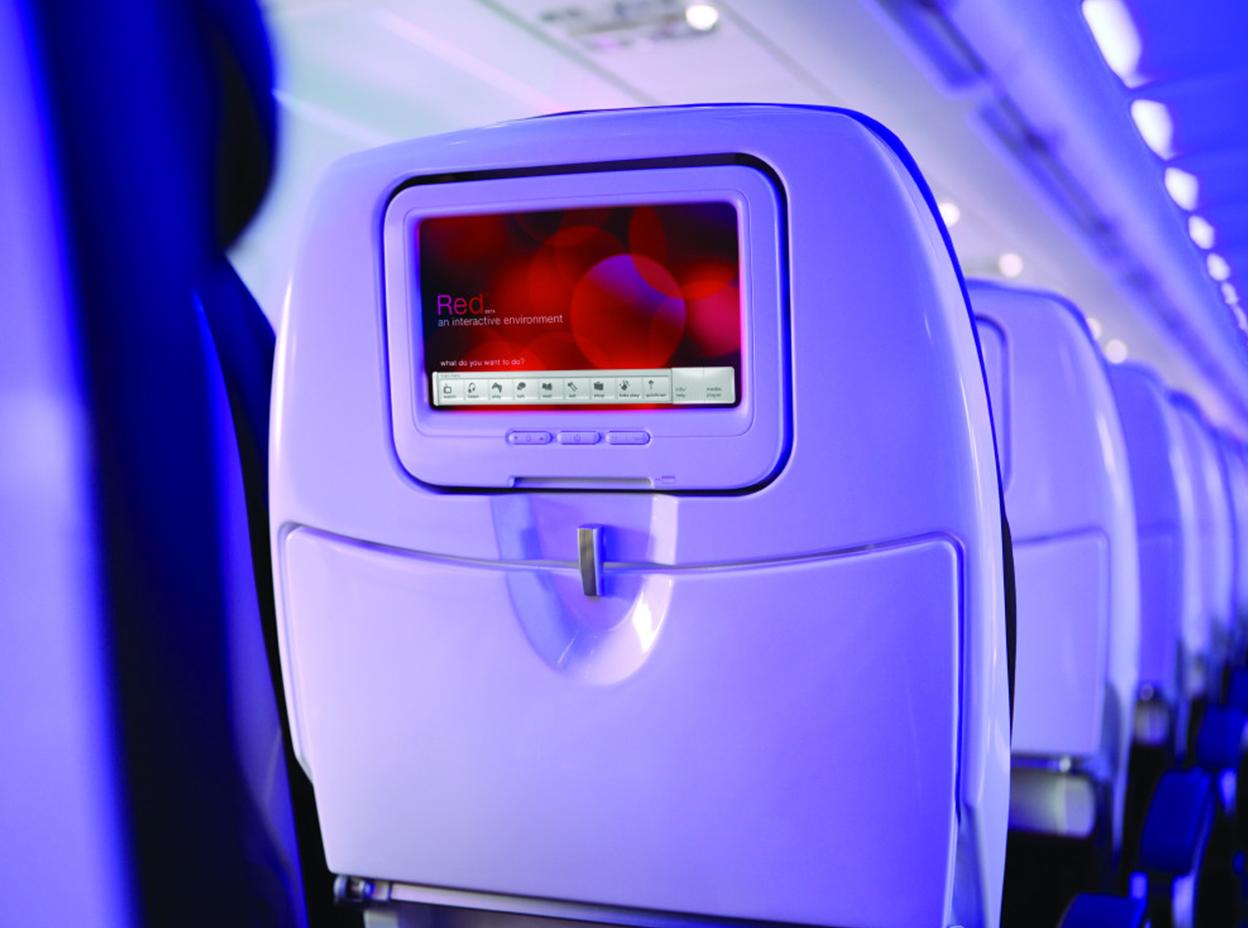 main-cabin-1248x928-IFE
