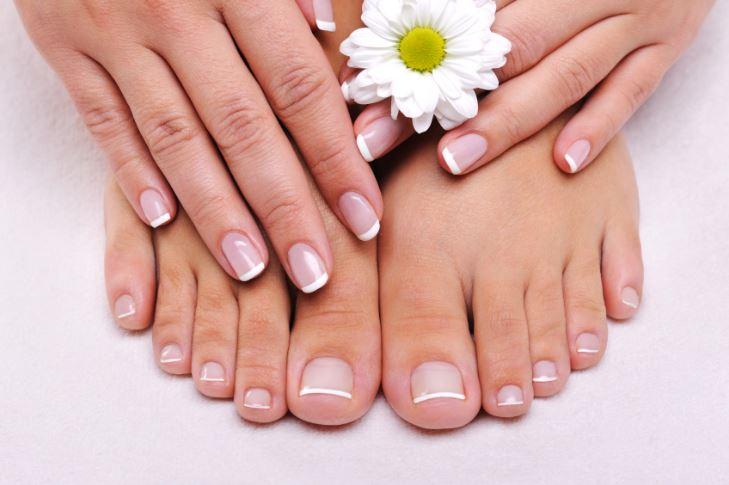freebies2deals-manicure