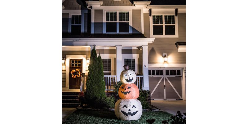 halloween-inflatable-pumpkin