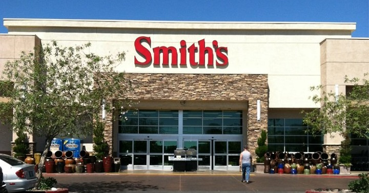 smiths-store-front
