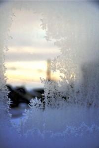 window-frozen-1364753-640x960